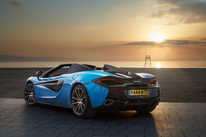 2018 McLaren 570S Spider Rear Look Wallpaper