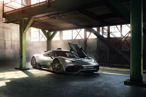 2018 Mercedes AMG Project One Photoshop