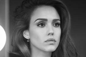 2019 Jessica Alba Monochrome