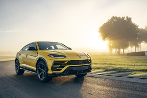 2019 Lamborghini Urus Shiny Black Package 5k Wallpaper