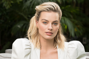 2019 Margot Robbie New