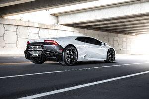 2020 4k White Lamborghini Huracan Wallpaper