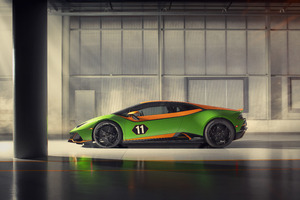 2020 Lamborghini Huracan Evo GT Side View Wallpaper