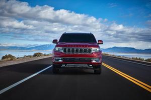 2022 Jeep Grand Wagoneer Series III Wallpaper