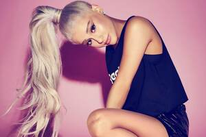 4k Ariana Grande 2018