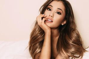 4k Ariana Grande Wallpaper