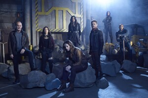 Agent Of Shield Season 5 Cast Wallpaper