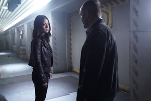 Agents Of Shield Clark Gregg Chloe Bennet