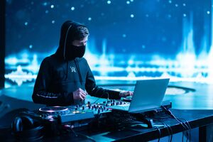 Alan Walker Famous Dj Wallpaper