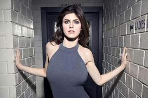AlexandraDaddario Wallpaper
