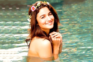 Alia Bhatt 2017 Wallpaper