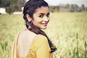 Alia Bhatt Desi Look