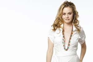 Alicia Silverstone 4k Wallpaper