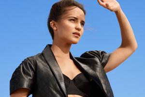 Alicia Vikander Louis Vuitton 4k