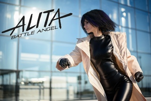 Alita Battle Angel Cosplay Girl