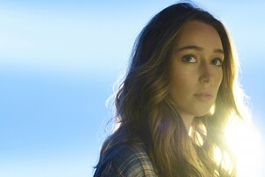 Alycia Debnam Carey Fear The Walking Dead Wallpaper