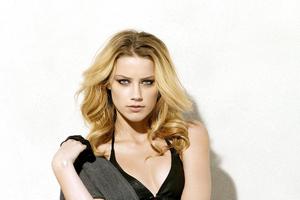 Amber Heard 4K New Wallpaper