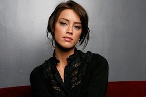 Amber Heard Black Dress