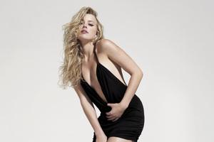 Amber Heard Hot Wallpaper