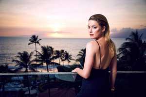 Amber Heard Maui Film Festival Wallpaper
