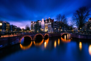 Amsterdam Bridge Street Light Long Exposure 4k Wallpaper
