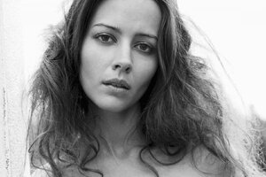 Amy Acker Hairs