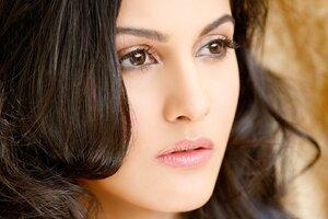 Amyra Dastur Face