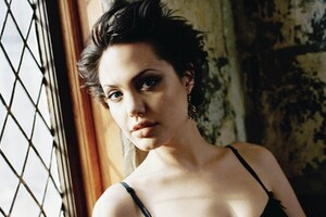 Angelina Jolie 3 Wallpaper