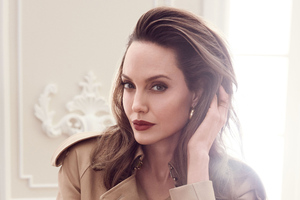 Angelina Jolie Elle 2020 Wallpaper