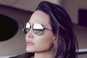 Angelina Jolie Elle Magazine Wallpaper