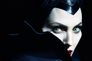Angelina Jolie In Maleficent Wallpaper