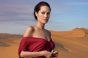 Angelina Jolie Vanity Fair Photoshoot