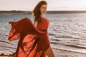 Anna Bell Model