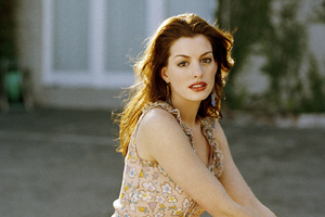 Anne Hathaway 2020 New Wallpaper
