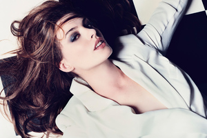 Anne Hathaway Elle Photoshoot 5k Wallpaper