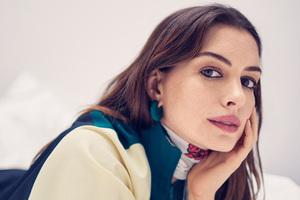Anne Hathway Glamour