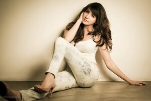 Anushka Sharma 4 Wallpaper