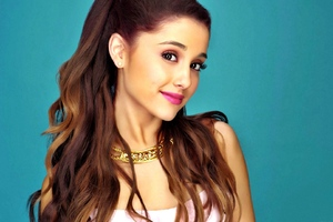 Ariana Grande Cute Wallpaper