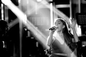 Ariana Grande Life Performance Wallpaper