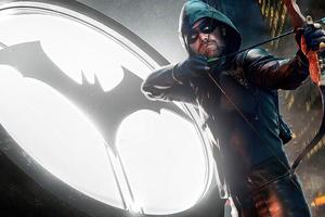 Arrow Bat Logo 4k