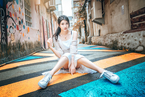 Asian Girl Ubran Sneakers Wallpaper