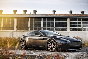 Aston Martin Vantage Car