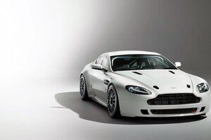 Aston Martin Vantage GT4 Wallpaper