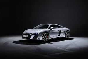 Audi R8 V10 RWD Coupe 2019 Side View Wallpaper