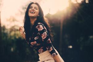 Beautful Girl Sunny Smile 5k