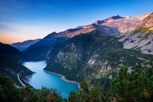 Beautiful Mountain Range And River 5k
