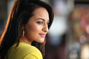 Beautiful Sonakshi Sinha Wallpaper