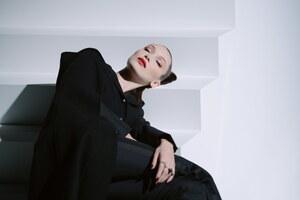 Bella Hadid Dior 5k