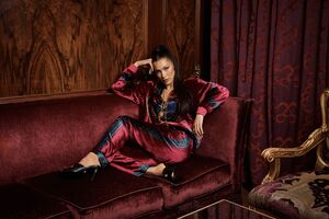 Bella Hadid Versace 2019