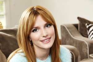 Bella Thorne Smiling Wallpaper